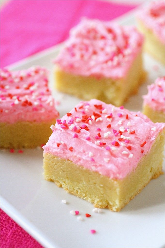 BUTTERCREAM FROSTED SUGAR COOKIE BARS...I think I overbaked them they were dry but I will try them again!Desserts Recipe, Sugar Cookies Bar, Valentine Day, S'Mores Bar, Bar Recipe, Sugar Cookie Bars, Cooking Tips, Healthy Desserts, Buttercream Frostings