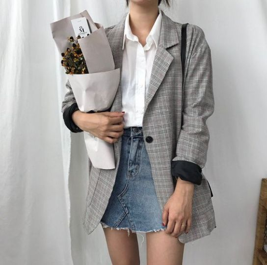 This is a classic and business option for how to style a denim skirt. #skirt #je…