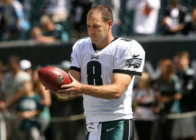 Donnie Jones is playing his 200th consecutive game today which is the 4th-longest active streak in thr NFL.  #PhillyBleedGreen #FlyEaglesFly #PhiladelphiaEagles #eaglesfansonly #Eagles #birdgang  #bleedgreen #bleedinggreen #bleedgreennation #Philly #Philadelphia #FlyLikeAnEagle #NoPHLYZone #togetherwefly #flyhigh #PhillyEagles #EaglesNation #eaglesfans