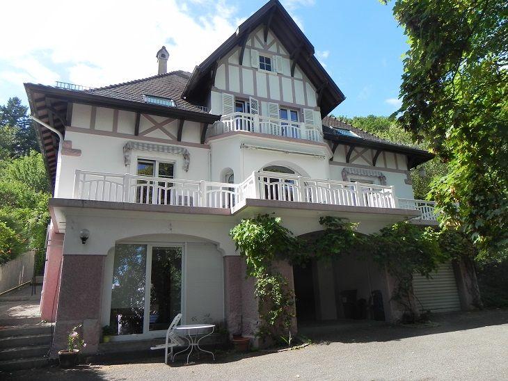 Chambres D Hotes De Madame Francine Bockel Villa Les Pervenches Thann Villa Chambre D Hote Chambre A Louer
