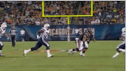 Video: Jon Bostic levels Chargers player with huge hit during preseason game - Gamedayr : Gamedayr