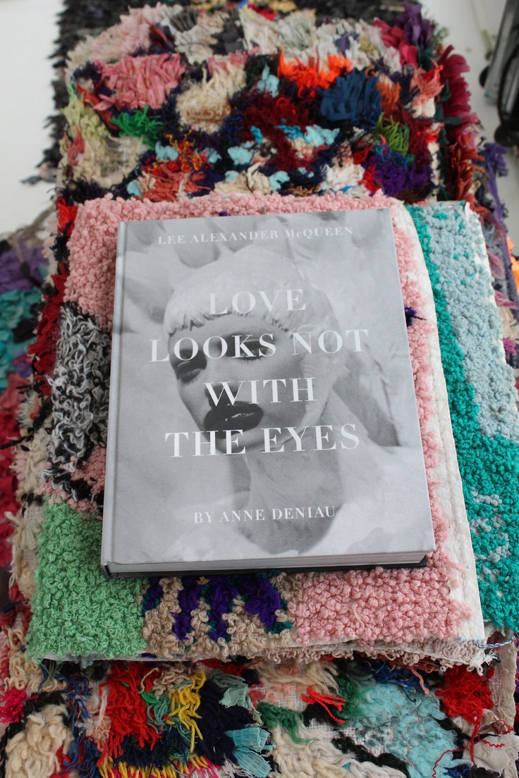 love looks not with the eyes