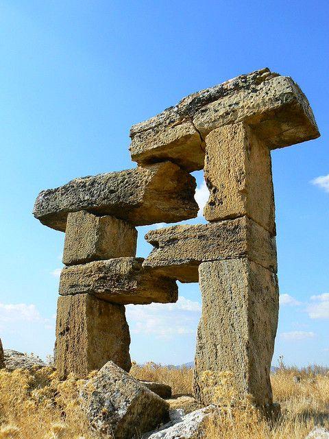 Blaundus antik kenti/Uşak/// Büyük İskender'in Anadolu seferinden sonra Makedonya'dan gelenler tarafından kurulmuştur.