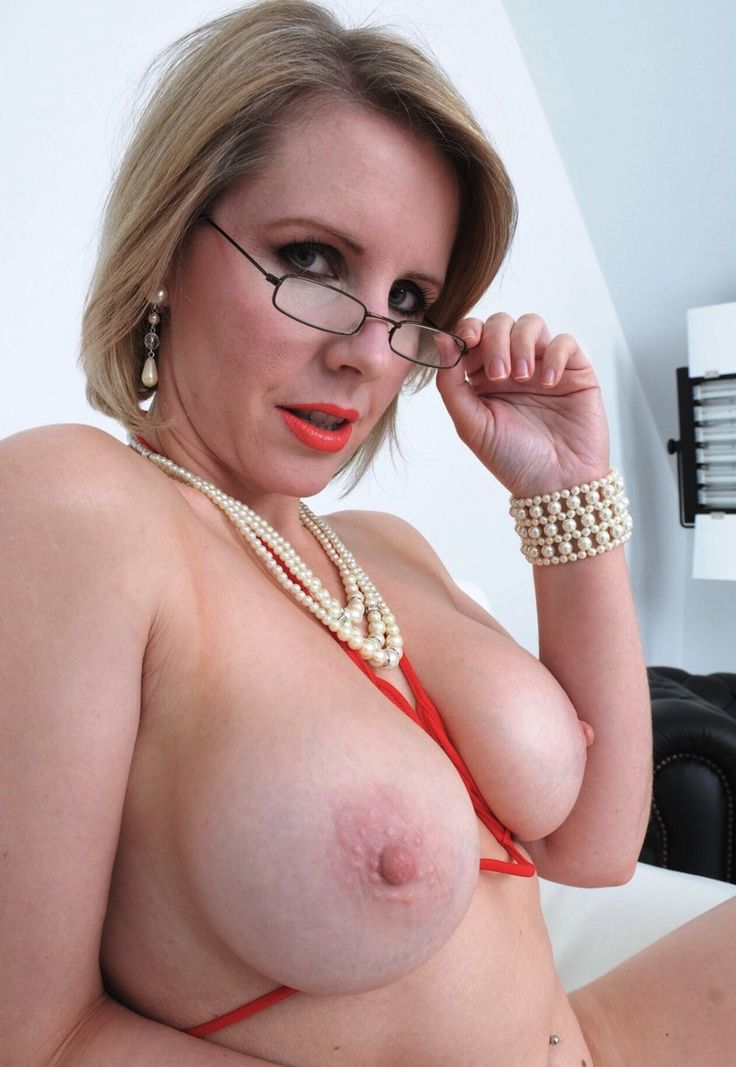 Louise amateur milf free video