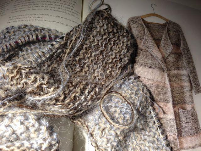 Jeg har gået og luret lidt på Helga Isagers Kashmir Cardigan fra hendes nye hæfte The Map Collection . Jeg tror den ville klæde Lone ual...