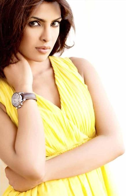 Bollywood Forest Cat Priyanka Chopra Latest Wallpapers & Pic's