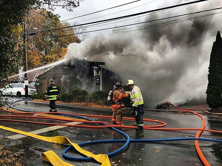 FEATURED POST @kempterfirewire - Mahopac / Somers 4 Miller Road heavy fire on arrival. Via Brian Cunningham . CHECK OUT! http://ift.tt/2aftxS9 . Facebook- chiefmiller1 Periscope -chief_miller Tumbr- chief-miller Twitter - chief_miller YouTube- chief miller Use #chiefmiller in your post! . #firetruck #firedepartment #fireman #firefighters #ems #kcco #flashover #firefighting #paramedic #firehouse #straz #firedept #feuerwehr #crossfit #brandweer #pompier #medic #firerescue #ambulance #emergency…