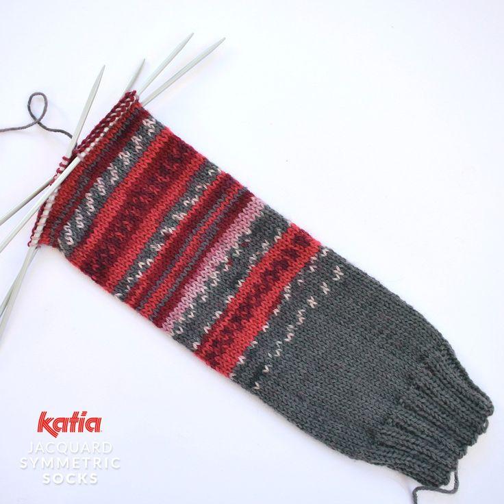 Aprenda a tricotar um par de meias idênticas