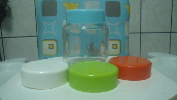 tampas plásticas pra papinhas de varias cores, comprando em grande quantidade fazemos desconto. R$ 1,00