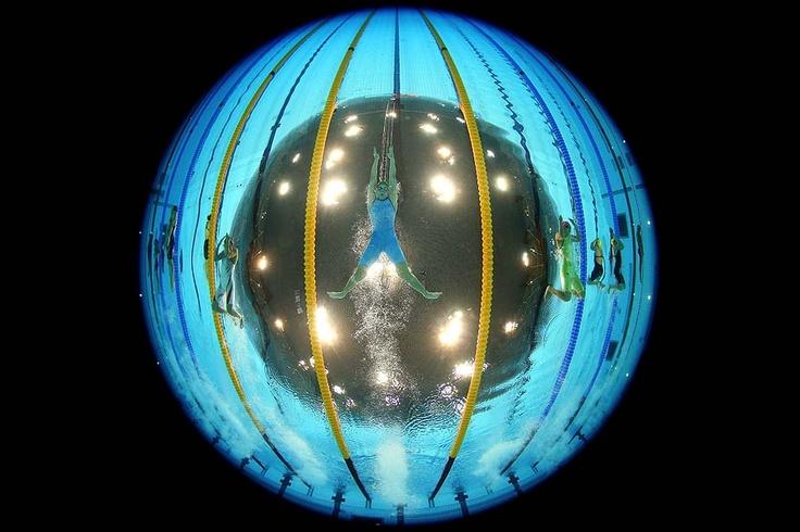 cool underwater fisheye photos @ London olympics