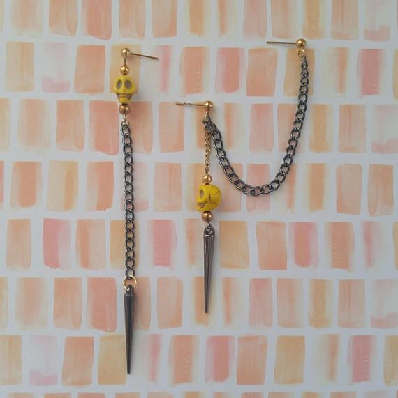 YELLOW SKULL mixed metal cartilage chain earring set