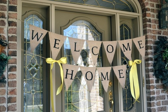 Welcome home burlap banner welcome home banners welcome for Welcome home decorations