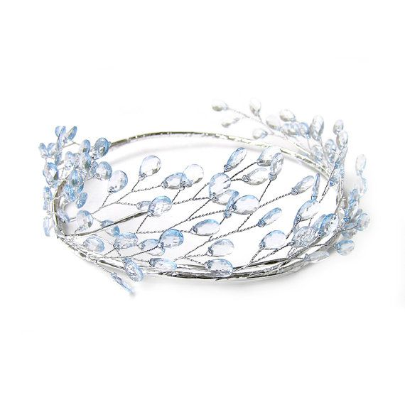 Darling beaded head crown with light blue faceted beads line in the rustic wire base and it is covered by silver tape. It is made of light to medium wire which is easy to adjust size and shape to suit your style, perfect for parties, wedding or special events.  Details: ❤ Exterior circumference approx. 22.5/ 57.3cm. One size fit from young adult to adult ❤ Custom order for smaller / bigger size is welcome ❤ Handmade in Hong Kong  Shipping: Registered Air Mail with tracking no.  ✦ ✧ ...