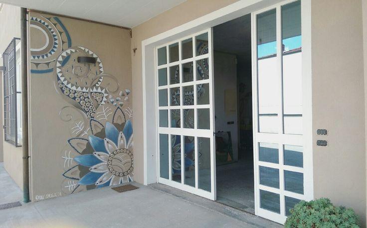 #endofwork #decoration #mandala #decorazione #blu #sabbia #brown #marrone #sand #outdoor #decoratiòn #decoration #dècoraction #wall #wallpainting #decor #acrylic #dipintosumuro #affresco #paintyourhouse #pittura #lavabile #art #myart #mypassion
