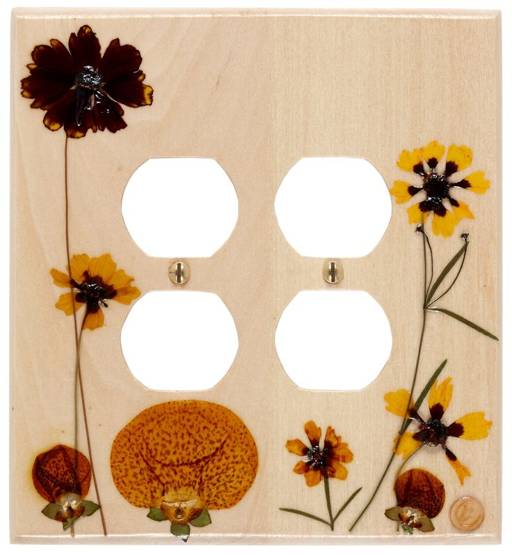 """PLATE WITH TWO DUPLEX RECEPTACLES - """"L'ALLUMEUR"""" – COREOPSIS created by MOSAÏQUE FLEURIE"""