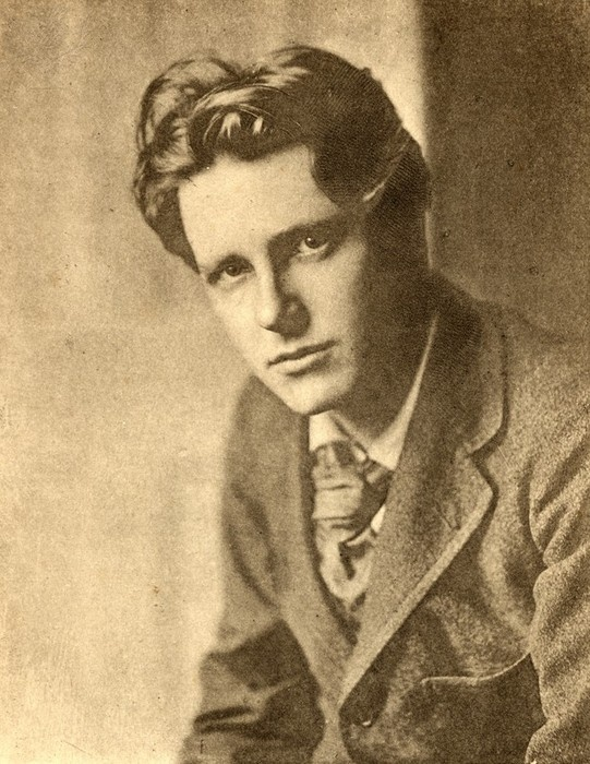 peace by rupert brooke essay Read this full essay on compare and contrast rupert brooke's poem, the  soldier with wilfred owen's,dulce et decorum est 'the soldier' is a sonnet  writt.