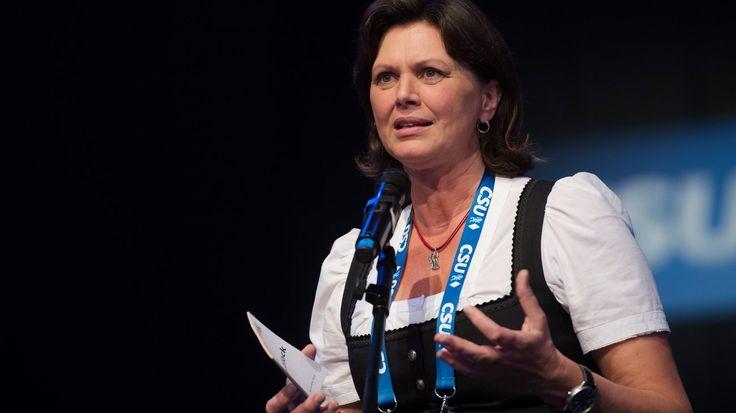 CSU-Wirtschaftsministerin Ilse Aigner über den Absturz ihrer Partei, die unsichere Zukunft von Horst Seehofer und unerlässliche Forderungen an die CDU.
