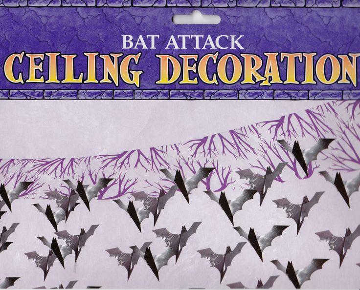 Decorazione per soffitto a scendere con pipistrelli in foglio effetto metallizato nero. Cielino Bat attack L.3,65 mt, scende circa 28 cm. Banner per Halloween o feste a tema Batman. Disponibile da C&C Creations Store