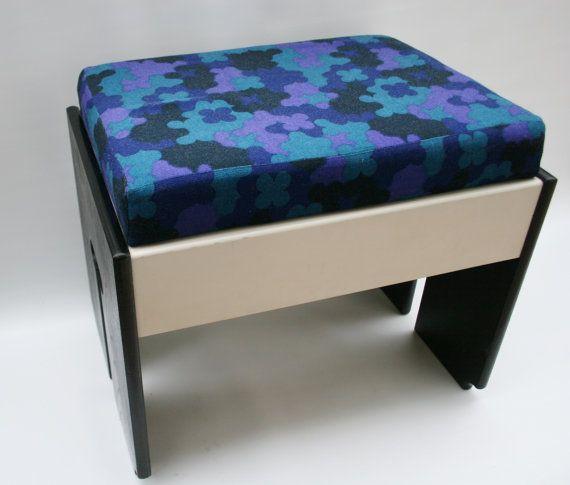70s Stool Sewing Box Combination Klavierhocker von zeitlooos