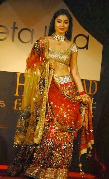 #ShriyaSaran in Net Red #Designer #Lehenga