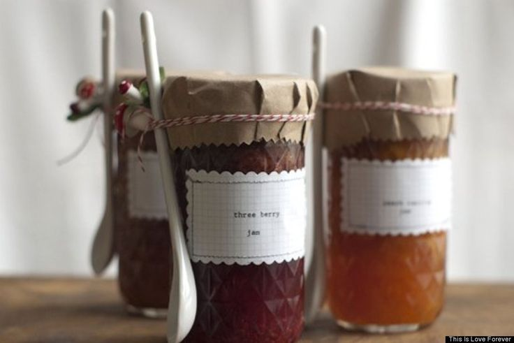 We love these rustic #DIY #labels that are perfect for jams, jellies or other homemade treats.