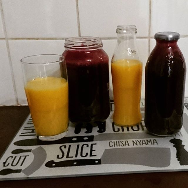Fresh cold pressed juice to start of the day. Juicing to me is very meditative and calming as I have such busy days at varsity. Life is all about being in the moment, feel each moment.  Beetroot, lemon, kale Oranges, lemon, ginger