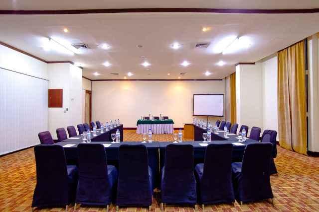 Hotel Aryaduta Makassar - Anggrek 2 - 3  Capacity: 80 - 100 persons  Located: Lobby level