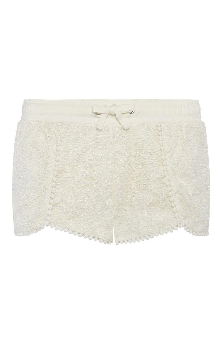Primark - Cream Lace Shorts