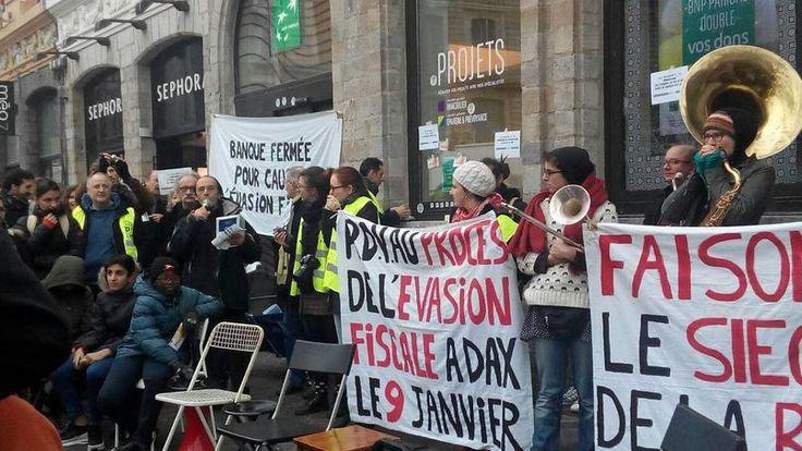 Manifestation des Faucheurs de chaises à Lille, le samedi 10 décembre 2016.