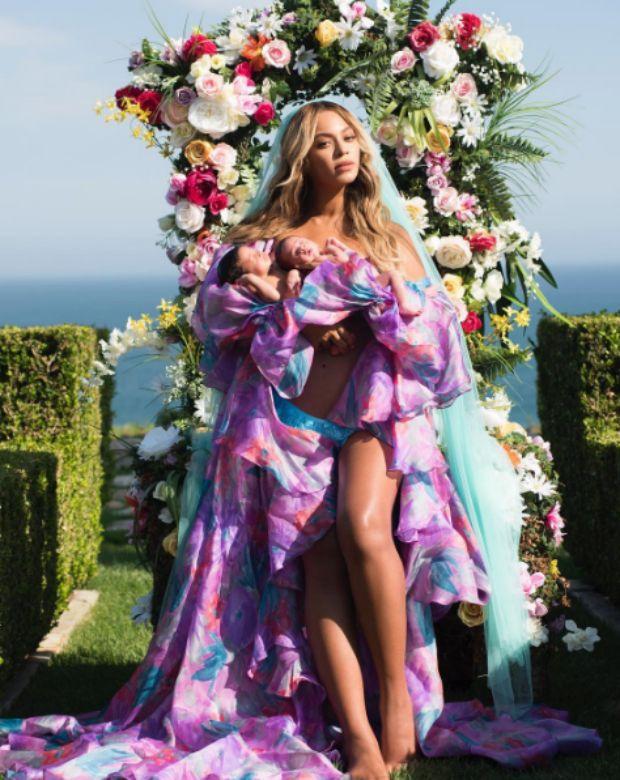Beyoncé divulga primeira foto com os gêmeos (Foto: Reprodução/Instagram)