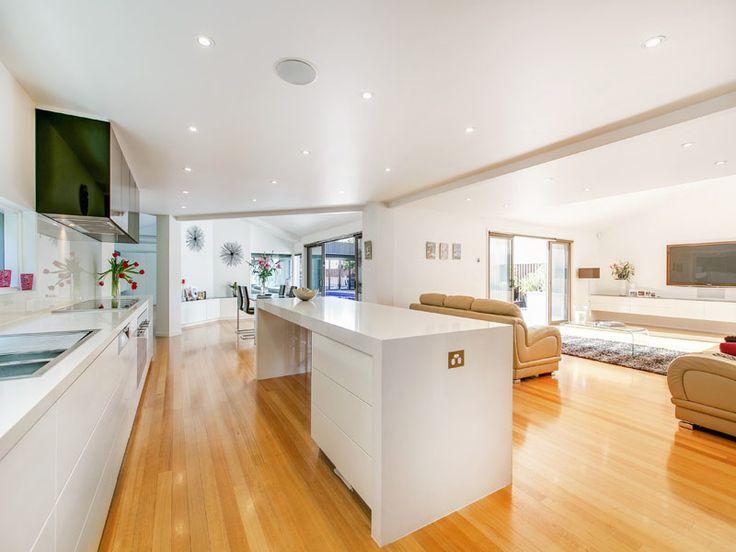 Strickland Drive | Kitchen | White | Minimalist | No handles |
