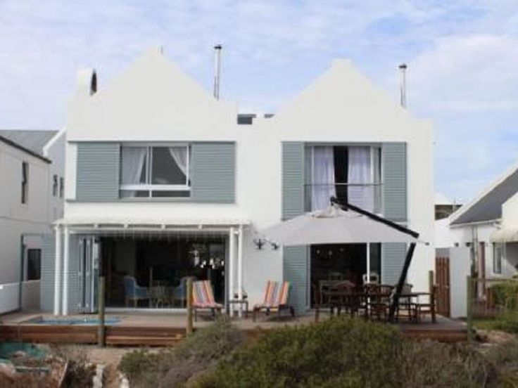 Nosterdomus - Nosterdomus is situated in the charming fishing village of Paternoster along the West Coast.The house has four bedrooms, one en-suite bathroom and one shared bathroom. There is a fully equipped open-plan ... #weekendgetaways #paternoster #southafrica