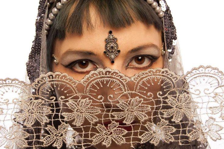 dancer: Aleksandra 'Apsara' Kilczewska, photographer: Agnieszka Cebulka, bindi: Tribal Bindi www.facebook.com/... belly dance bindi