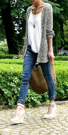 Love those shoes... and this entire outfit. Check @trendslove to get them