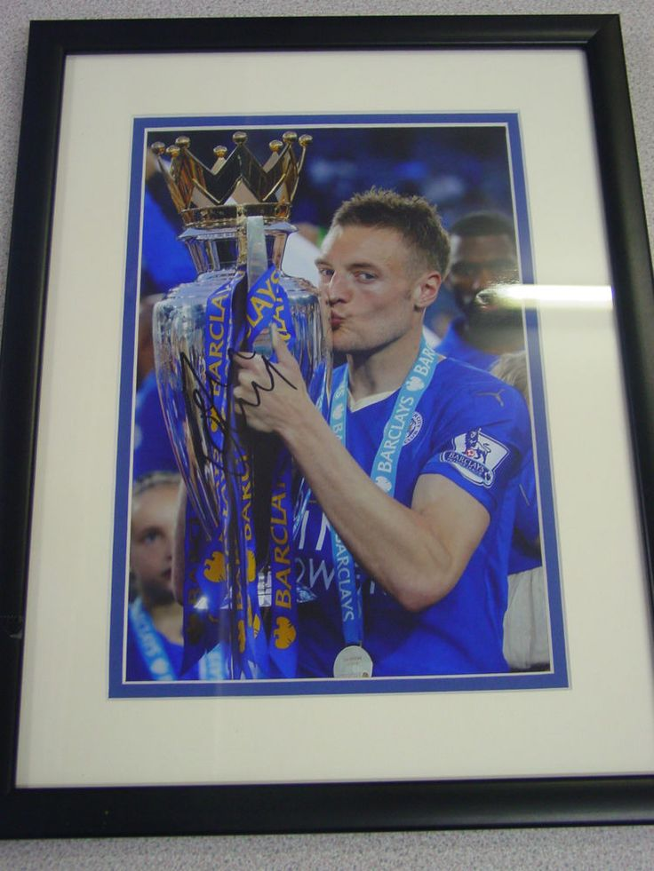 LEICESTER CITY FC S JAMIE VARDY.AND SHINJI OKAZAKI SET OF 3 PHOTOS IN FRAMES