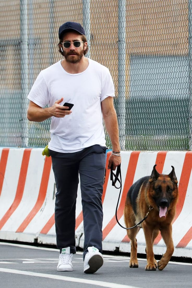 These Pictures Of Jake Gyllenhaal Make Me Want To Be Leashed