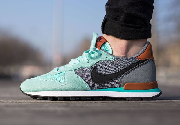 The Nike Internationalist