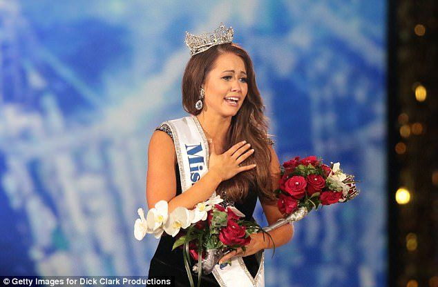 Miss North Dakota, a 23-year-old who said President Donald Trump was wrong to pull the United States out of the Paris climate accord, was named Miss America 2018 Sunday night in Atlantic City. Cara Mund topped a field of 51 contestants to win the crowd in the New Jersey seaside resort, where most of the …