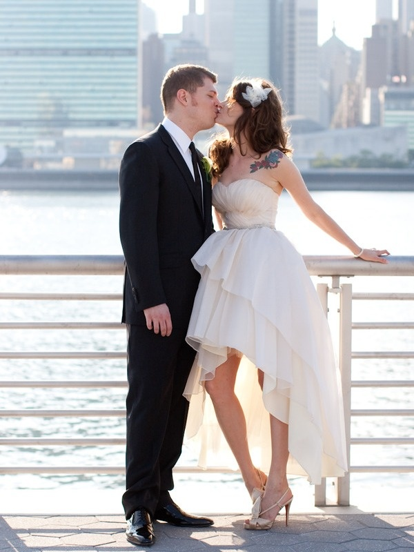 """""""mullet wedding dress. love.""""  No Moore referring to dresses and skirts as """"high-low"""" they are all """"mullets"""""""
