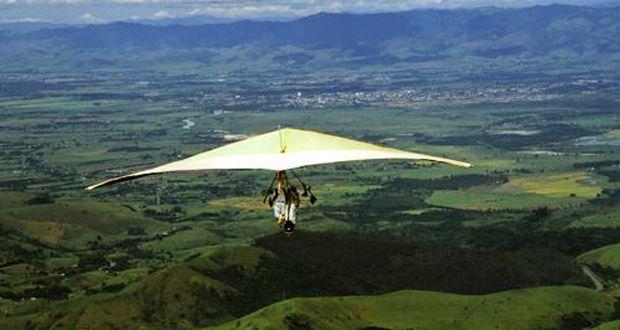 Aventure-se Brasil afora e busque os melhores lugares para voar de asa-delta