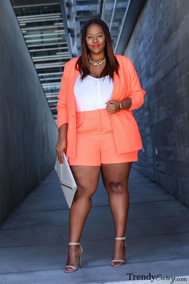8adf3234418 6-600x900 20 Ideas on How to Wear High Waisted Shorts for Plus Size Women