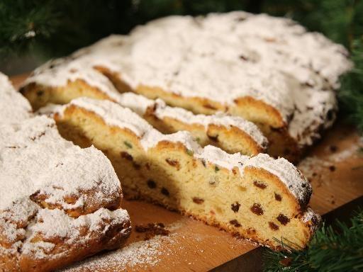 citron, cédrat confit, oeuf, sucre en poudre, lait, farine, levure de boulanger, beurre, amande, rhum, sel, orange, raisin