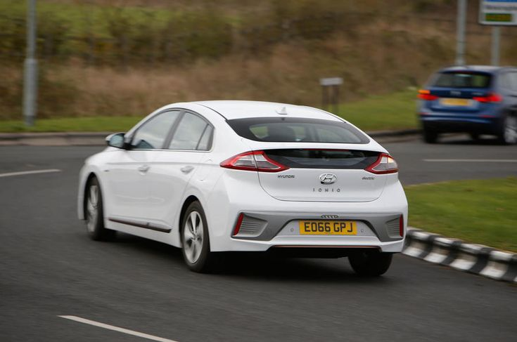 Hyundai Ioniq, Volkswagen E-Golf, BMW i3 vs Nissan Leaf - electric vehicle group test - http://carparse.co.uk/2016/11/27/hyundai-ioniq-volkswagen-e-golf-bmw-i3-vs-nissan-leaf-electric-vehicle-group-test-2/