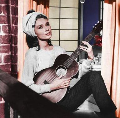 """Holly Golightly Gets a Millennial Makeover: Still from """"Breakfast at Tiffany's"""" directed by Blake Edwards, 1961"""