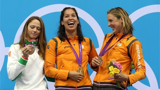 Women's 50m Freestyle medallists pose during Victory Ceremony. #Olympics Olympics