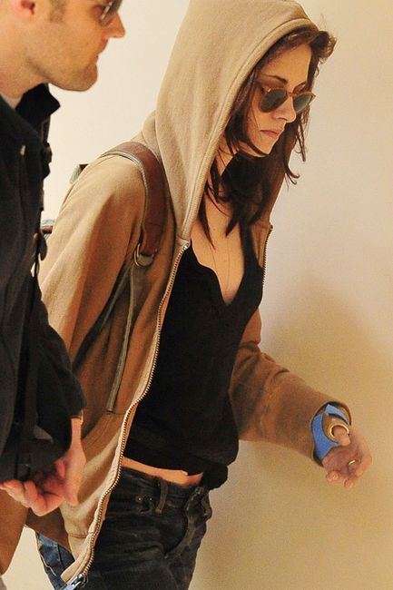 Credits: Urban Outfitters, Vans, Oliver Peoples & kristen stewart fans ...