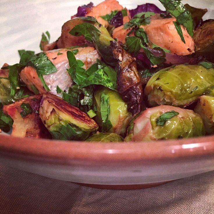 Abig bowl of vegetables topped with some pan-fried, grilled or steamed fish and a zingy dressing is my idea of a good weeknight dinner. This salad is a variation on this theme and as everything ge…