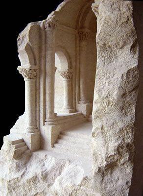 Romanesque Stone 2003 sandstone, 38 X 38 X 73cm             Mater Materia, Florida International University, Miami, USA