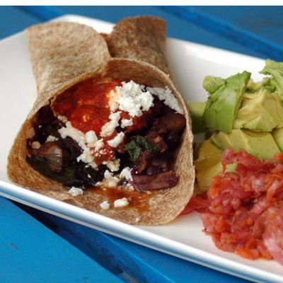 ... -making-noise: Sweet Potato & Black Bean Burritos w/ Spicy Red Sauce