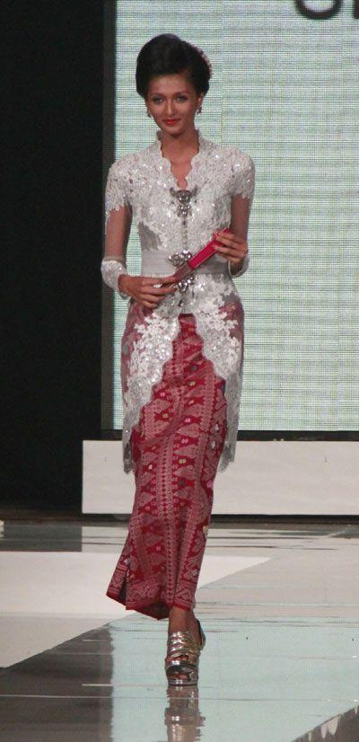 modern kebaya, design by ari seputra, indonesia